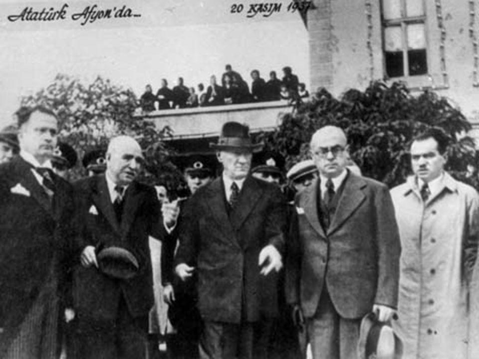 Kahramanlıklarını göz önüne aldığımda, özetle diyebilirim ki, tarihte ülkesi için, Mustafa Kemal Atatürk'ten daha büyük işler başarmış hiç kimse yoktur.