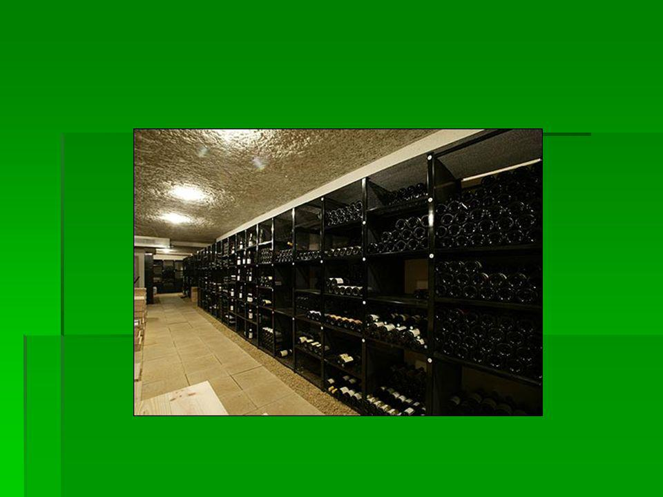 Şaraplar değişik şekillerde sınıflandırılırlar; İçim kalitesi açısından sınıflandırılması, Sofra şarapları Kalite şaraplar Üretim yöntemlerine göre sı