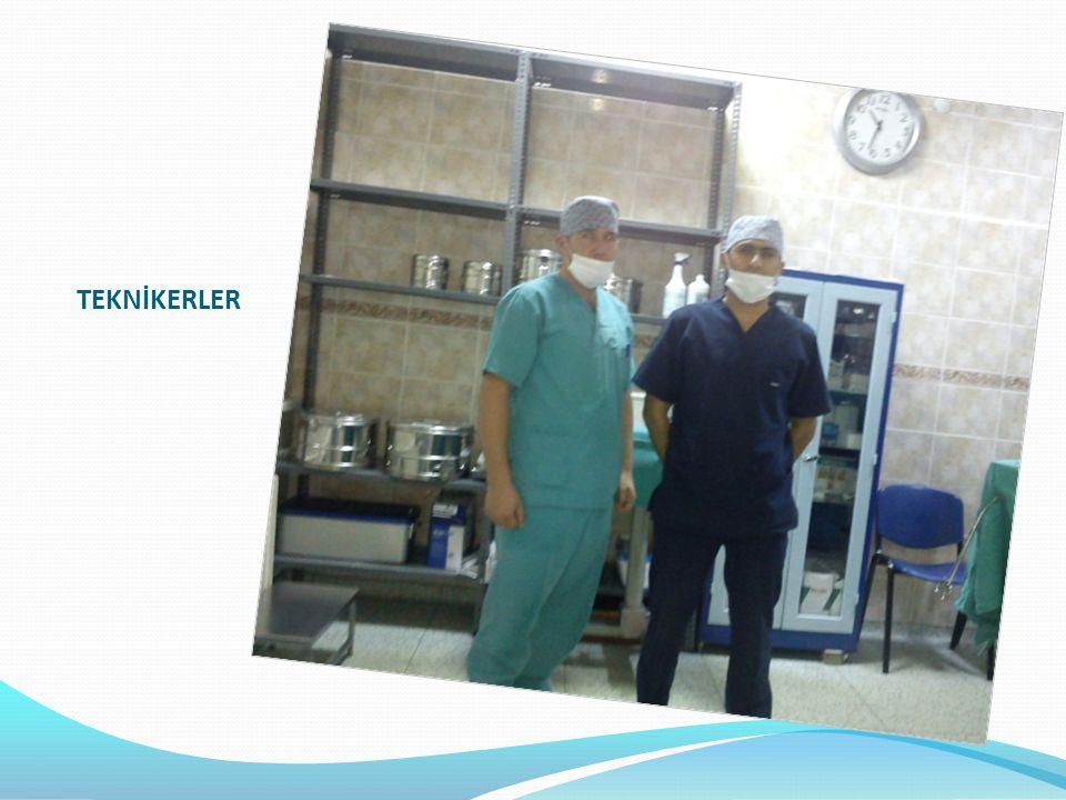  Anestezi Teknisyenlerinin Görev Ve Yetkileri  Anestezi teknisyeni; anestezi uzmanı veya bunun bulunmadığı hallerde ameliyat- hane sorumlu uzmanının sorumluluğu altında, bunların ve ameliyatı yapan uzmanın direktiflerine göre ameliyatın ve narkozun salimen ve rahat bir şekilde sonuçlanması için gerekenleri yapar.