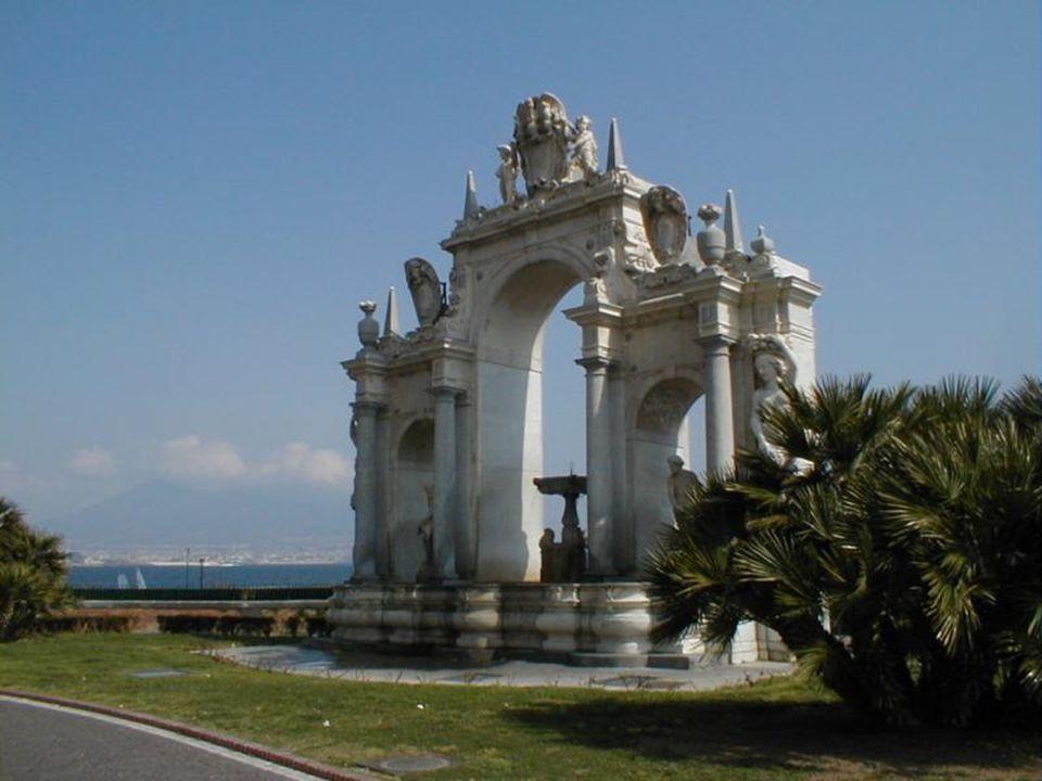 İtalya'nın İstanbul'a en çok benzeyen şehridir Napoli.