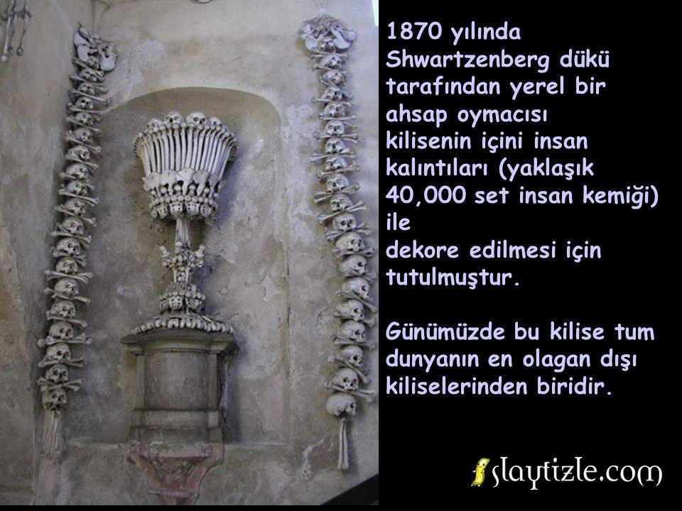 1318'e kadar 30,000 den fazla beden buraya gömülmüştür ve 1511'de yeni bedenlere yer açabilmek icin eski kemiklerin bir kisminin yerlerinin değiştiril