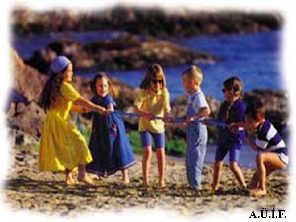 AKTİVİTE 4: BELGESEL İZLİYORUZ EVRENDEKİ DÜZENİ GÖSTEREN KISA BİR BELGESEL, ÖĞRENCİLERLE BİRLİKTE İZLENİR.