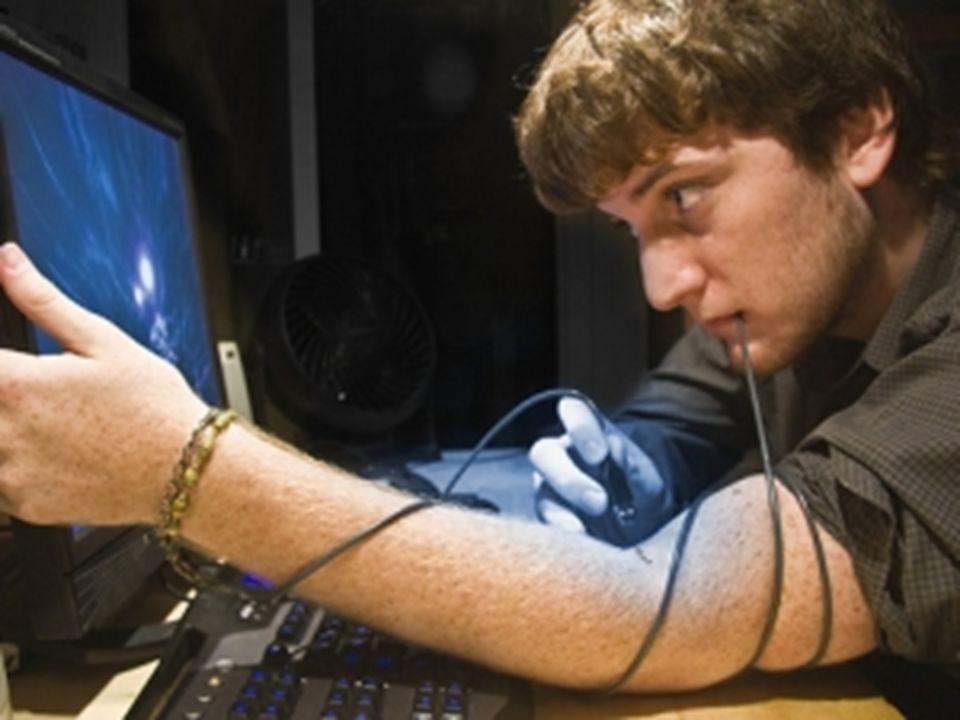 İnternet Bağımlılığı İnternet Bağımlılığı terimi ilk kez 1996 yılında Dr.