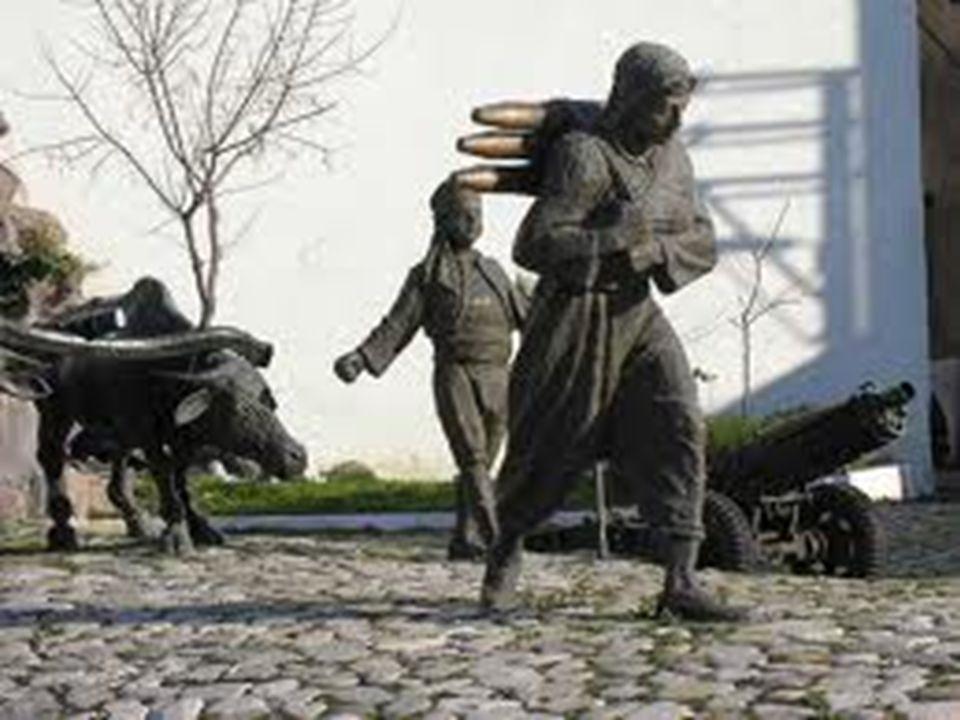  Askeri Müze`nin Tarihçesi:  Koleksiyonların zenginliği ve çeşidi açısından dünyanın en önde gelen müzelerinden birisi olan Askeri Müze'nin kuruluşu modern anlamda olmamakla beraber 15 nci yy.a kadar uzanmaktadır.