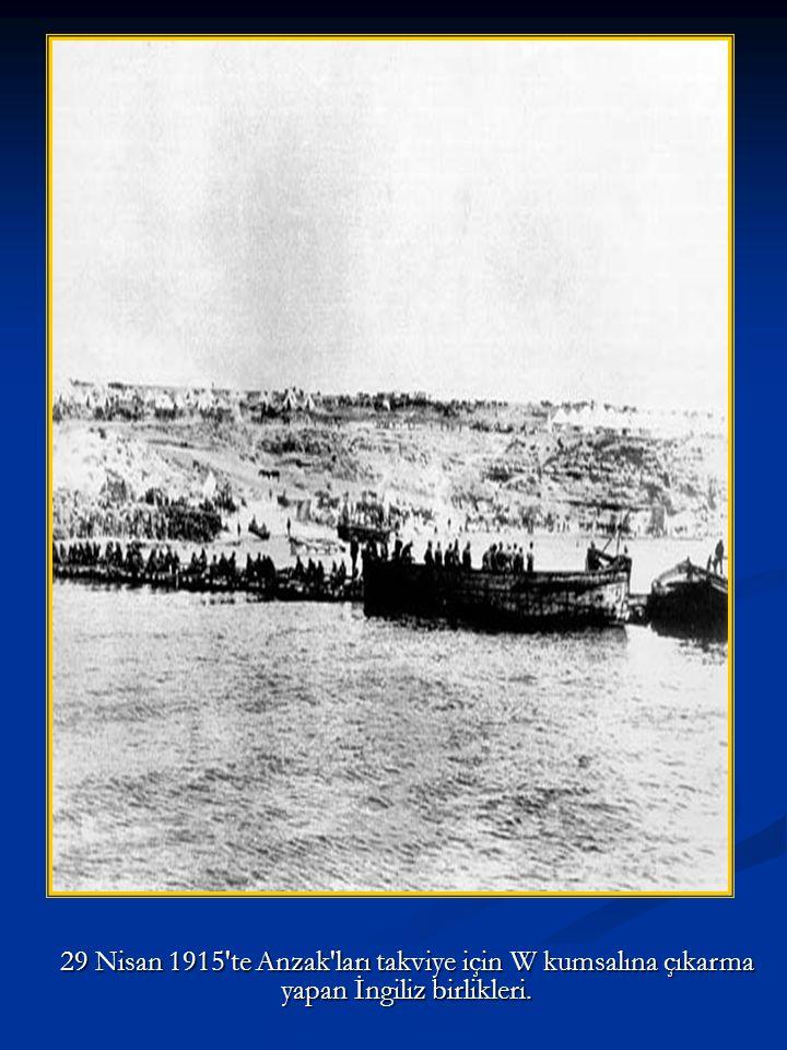 Nile gemisi ile çıkarma sahasına getirilen İngiliz askerleri
