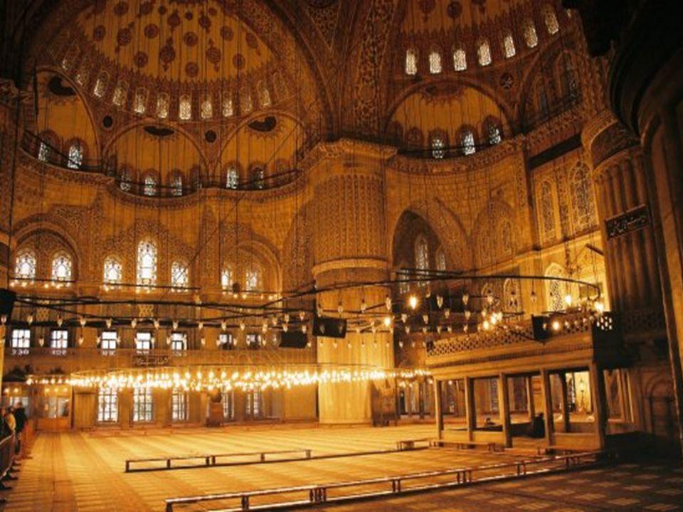 • Sultanahmet camii Türkiye de 6 minaresi olan 3 camiden biridir.
