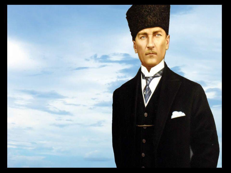 21 Kasım 1938 Büyük Ata'sına son görevini yapmak üzere korteje katılan halk...