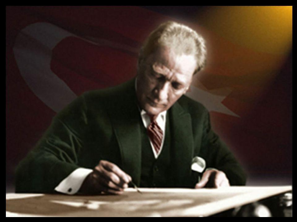 Atatürk Ankara Vilayet Konağı kapısının önünde Hasan Fehmi Efendi tarafından yapılan dua da