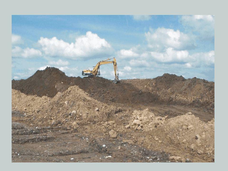 •İnşaat yeri haricinde en az 2000 (iki bin) metrekare alanı bulunan faaliyet sahipleri, çıkarılan hafriyat toprağını yeniden değerlendirilmek üzere bu alanda geçici olarak biriktirebilirler.