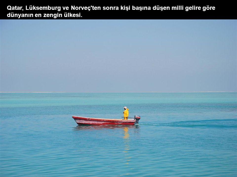 Cornish sahil yolundaki gökdelenler. Deniz tamamen doldurularak üstüne bu gökdelenler inşa ediliyor. Qatar'da tam bir yapılaşma süreci söz konusu. İzl