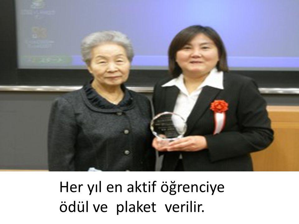 Her yıl en aktif öğrenciye ödül ve plaket verilir.