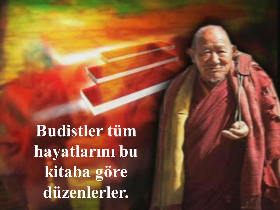 Bugün elde mevcut olan Budizm'in kutsal kabul ettiği kitabı Tipitika'nın ne zaman yazıya geçirildiği bilinmemektedir.
