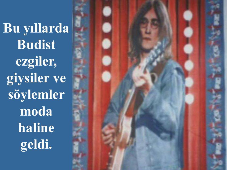 """John Lennon, """"Cross the Universe"""", yani """"Evren Boyunca"""" adlı şarkısında Budist ritmler kullandı."""