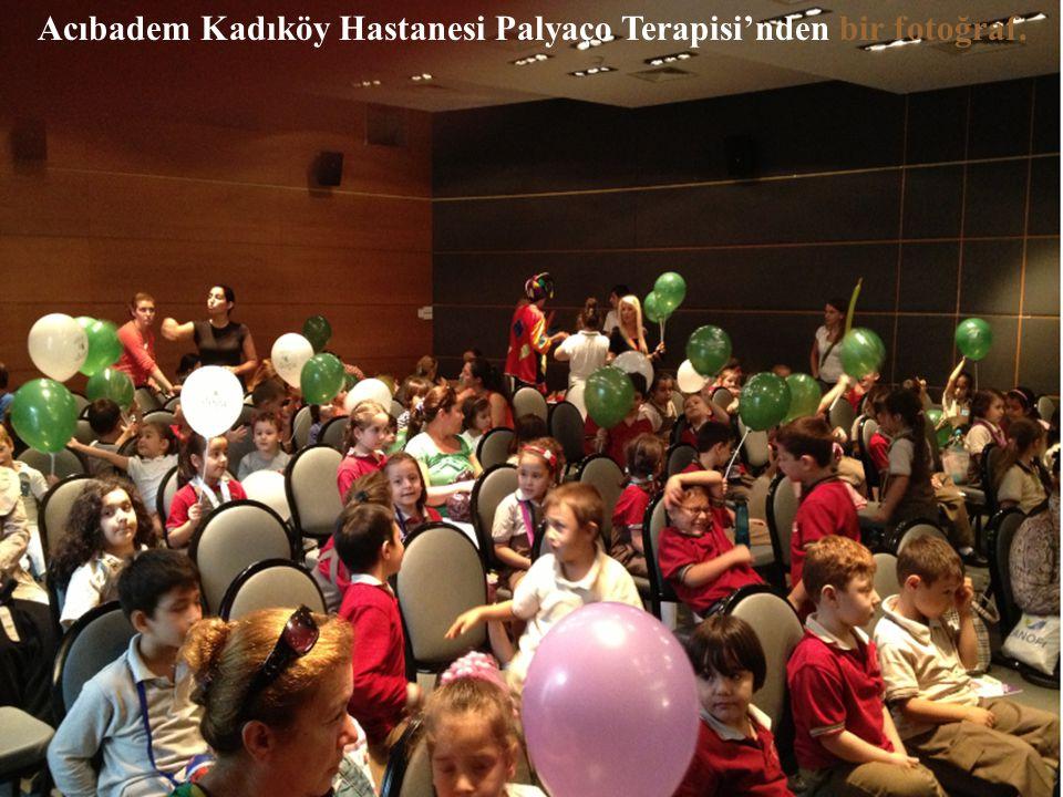 Acıbadem Kadıköy Hastanesi Palyaço Terapisi'nden bir fotoğraf.