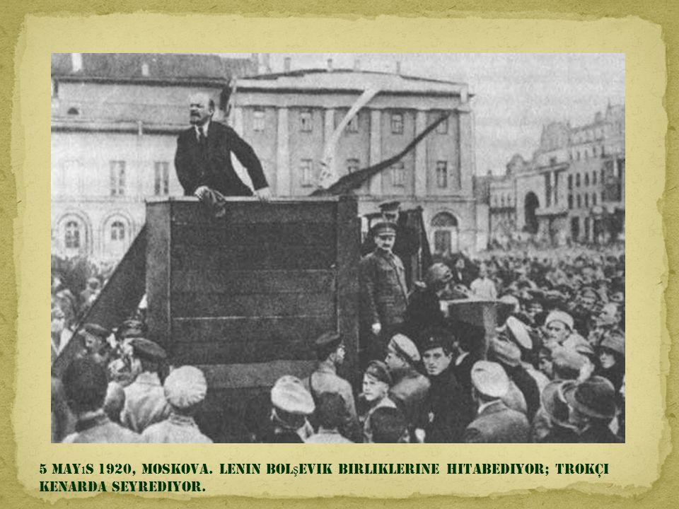 6 Aral ı k 1914, Meksika Ş ehri. Francisco Villa ve Emiliano Zapata ba ş kanl ı k sandalyesinde.