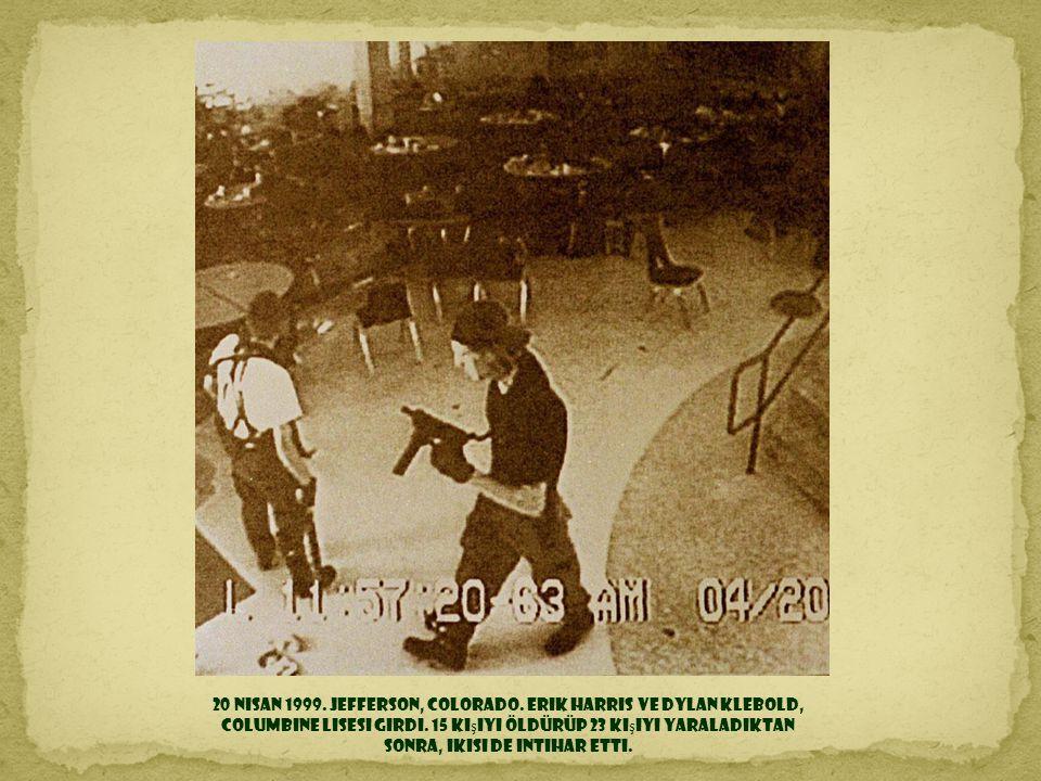 1998 2 Haziran. Güney Dakota. Siu ş efi Çılgın At'ın 50 yıl önce ba ş lanmı ş ve halâ bitmemi ş olan dev heykeli açıldı.
