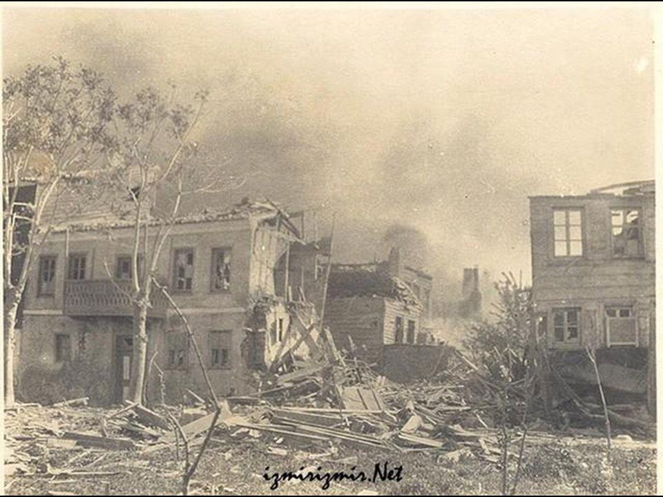 Bombardıman sonrası minarenin harap hali