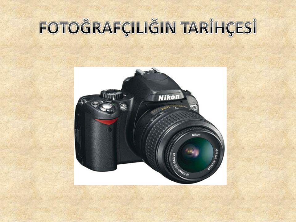 Fotoğraf tarihi karanlık kutu içinde görüntü elde etmenin tarihi olduğu kadar, bu görüntüleri fotokimyasal yollarla saptamanın da tarihidir.