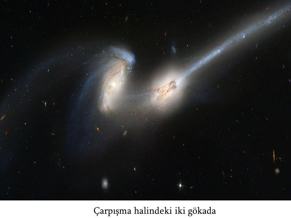 Çarpışma halindeki iki gökada