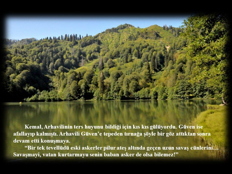 """""""İlk gün Trabzon'da Atatürk köşkünü, Ayasofya müzesini, Sümela Manastırı'nı gezdik, öğlen Akçaabat köftesi, akşam hamsi kuşu yedik. İkinci gün Uzun Gö"""