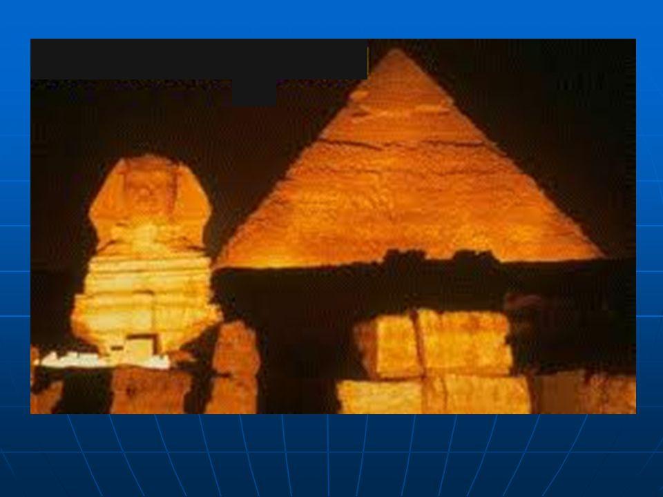  Giza Piramitleri'nin üçü birden dünyanın yedi harikası listesine dahil değildir. Piramitlerden sadece Keops Piramidi bu listeye girmiştir. Keops Pir
