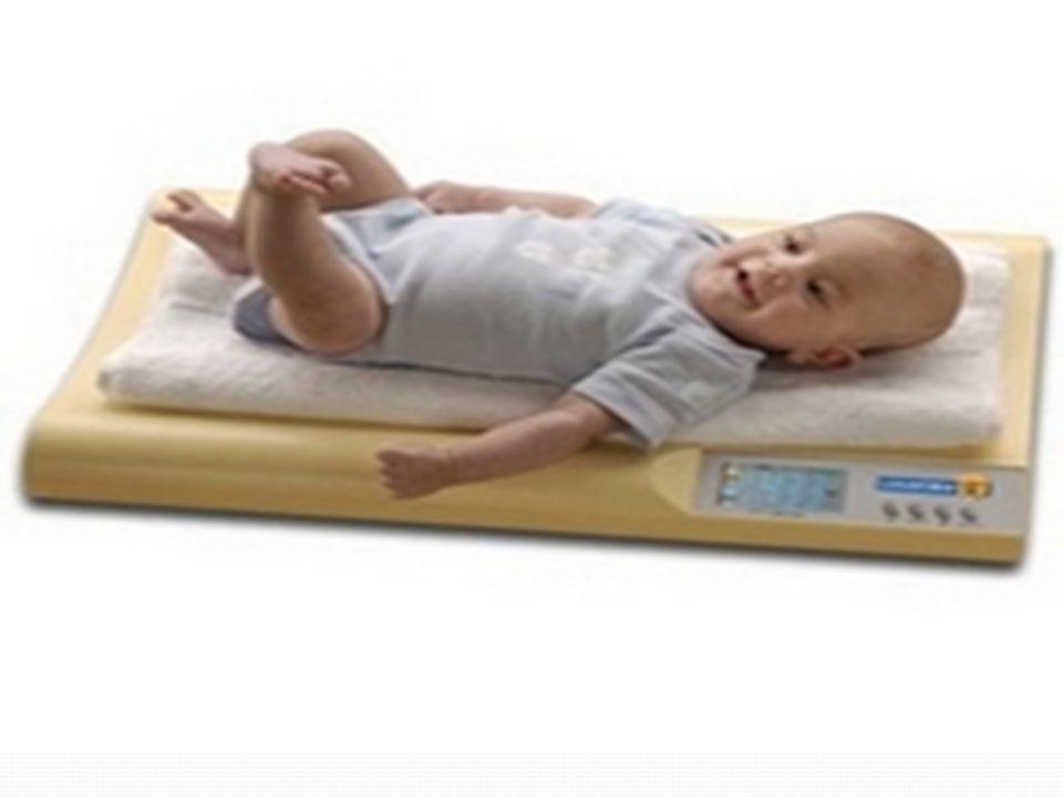 Bebeğin Yıkanma Şekli: -Son olarak,bebeğinizin bezini açıp(kız bebekler için bölgeyi önden arkaya doğru)genital bölgeyi nemli bir pamukla ya da yumuşak bir yıkama beziyle temizleyin.Bebeğin altını yeniden bezlemeden önce pişik kremi sürün.