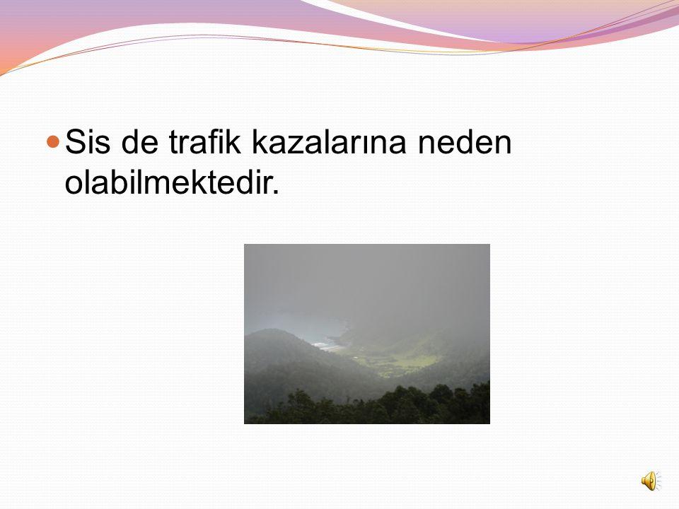 Karlı ve yağmurlu havalarda, okula gidip-gelirken, dikkatli olmalı, kaymaya karşı önlem almalıyız.