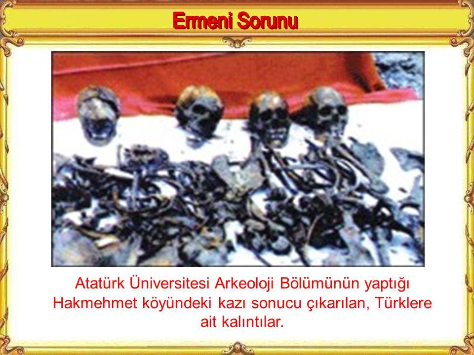 Atatürk Üniversitesi Arkeoloji Bölümü'nden kazı ekibi, Atatürk Araştırma Merkezi Üyeleri ve Basın Mensupları kuyu başında.