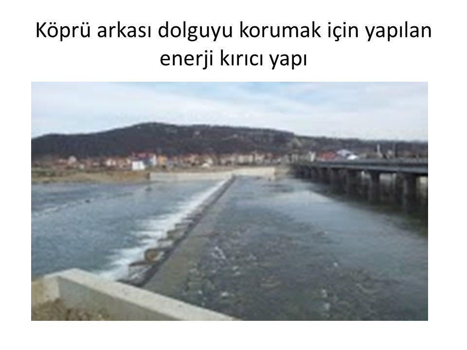 Köprü arkası dolguyu korumak için yapılan enerji kırıcı yapı
