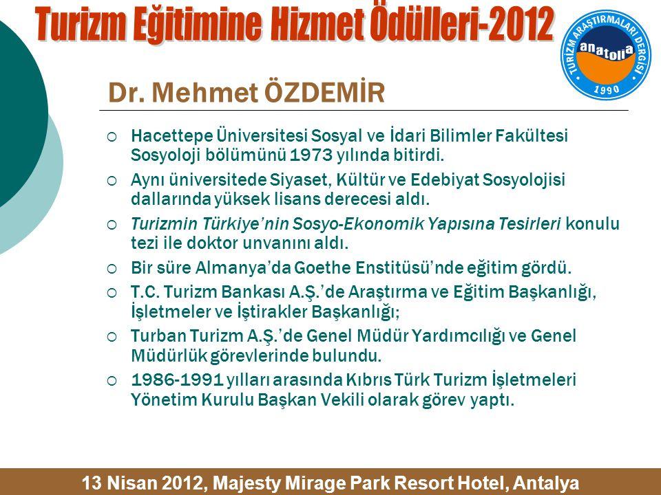  Hacettepe Üniversitesi Sosyal ve İdari Bilimler Fakültesi Sosyoloji bölümünü 1973 yılında bitirdi.