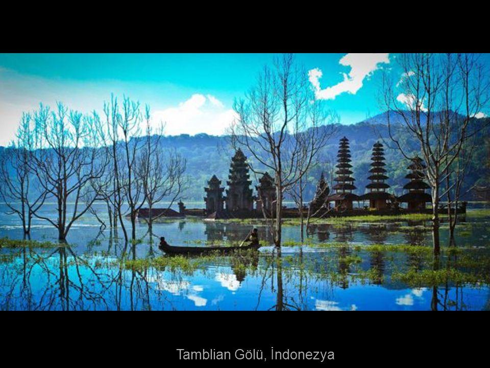 Tamblian Gölü, İndonezya