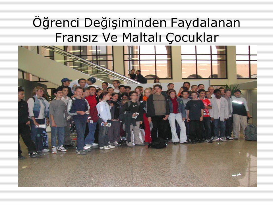 Öğrenci Değişiminden Faydalanan Fransız Ve Maltalı Çocuklar