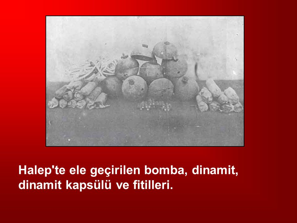 Halep'te ele geçirilen bomba, dinamit, dinamit kapsülü ve fitilleri.