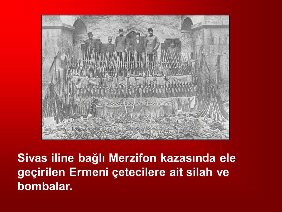 Sivas iline bağlı Merzifon kazasında ele geçirilen Ermeni çetecilere ait silah ve bombalar.