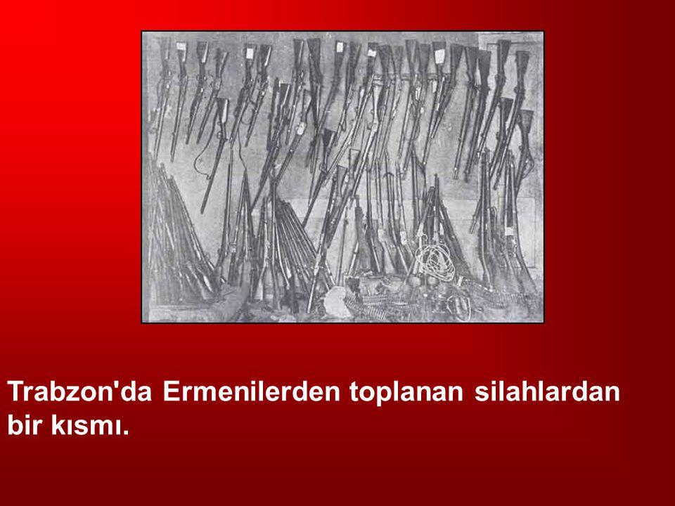 Trabzon'da Ermenilerden toplanan silahlardan bir kısmı.