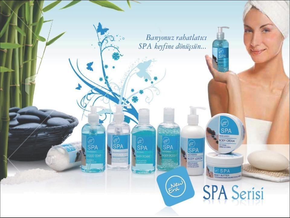 SPA Vücut Kremi/Body Cream İçeriğindeki zeytinyağı ve yoğun etkenler sayesinde,cildinizi nemlendirir,yumuşatır,bakım yaparak pürüzsüz bir görünüme kavuşturur.