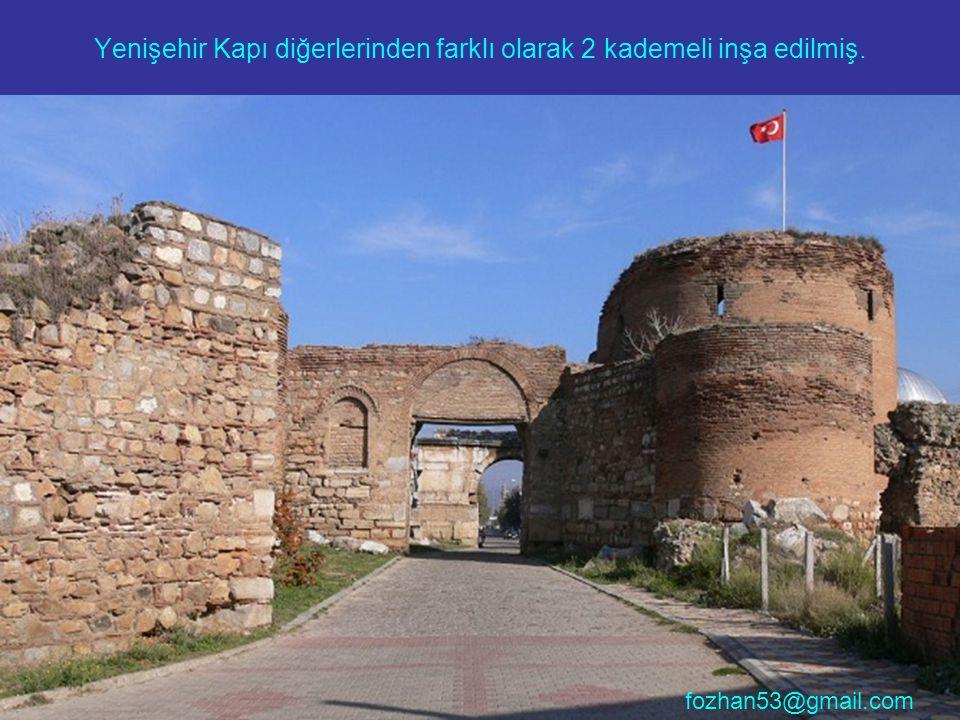 Bence en güzeli İstanbul Kapı , tabii yine 3 kademeli.