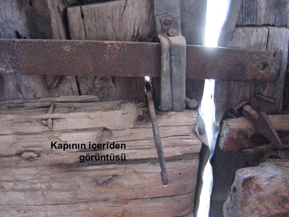Kapının içeriden görüntüsü