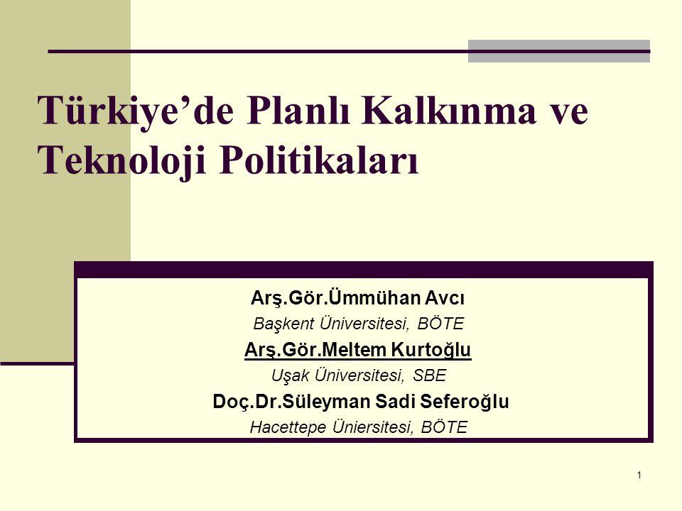 22 Dokuzuncu Beş Yıllık Kalkınma Planı (2007–2013) Dokuzuncu kalkınma planı, İstikrar içinde büyüyen, gelirini daha adil paylaşan, küresel ölçekte rekabet gücüne sahip, bilgi toplumuna dönüşen, AB'ye üyelik için uyum sürecini tamamlamış bir Türkiye vizyonu ve Uzun Vadeli Strateji (2001–2023) çerçevesinde hazırlanmıştır.