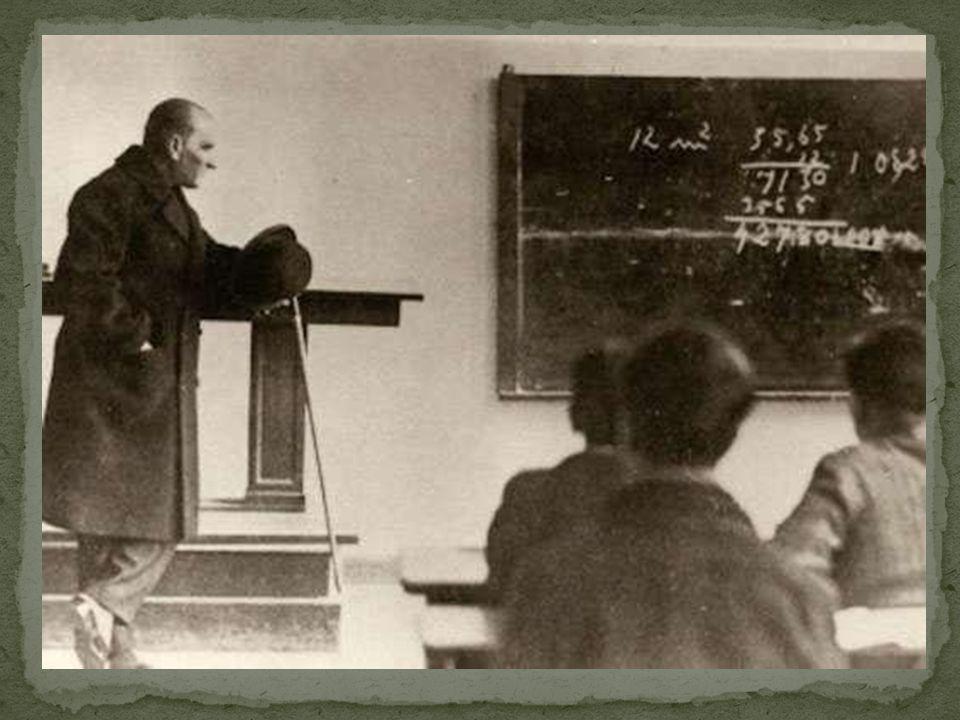 Milletleri kurtaranlar yalnız ve ancak öğretmenlerdir.