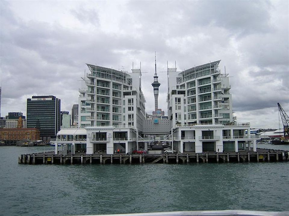 Yeni Zelanda'nın en büyük ve en kalabalık şehri : Auckland The biggest and the most crowded city of New Zealand : Auckland