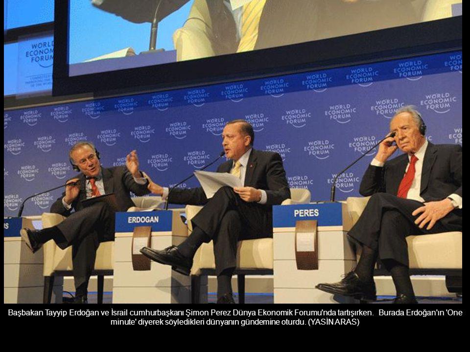 Başbakan Tayyip Erdoğan ve İsrail cumhurbaşkanı Şimon Perez Dünya Ekonomik Forumu nda tartışırken.