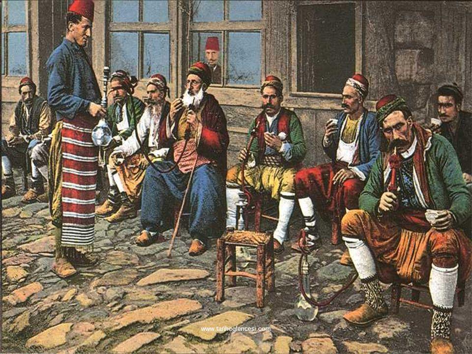 ► XVI. yüzyıl ortalarında kahve kullanımı da başlamış ve yaygınlaşmıştı. İlk defa İstanbul'da 1554'te açılan kahvehane kısa zamanda bir çok şehirde mo