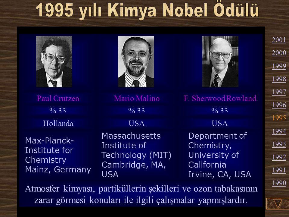 Robert F. Curl Jr. : 1933'te Texas'ta doğdu (A- merikan vatandaşı). 1957'de California Üniversi- tesi'den mezun oldu. 1958'den beri Rice Univer- sity'