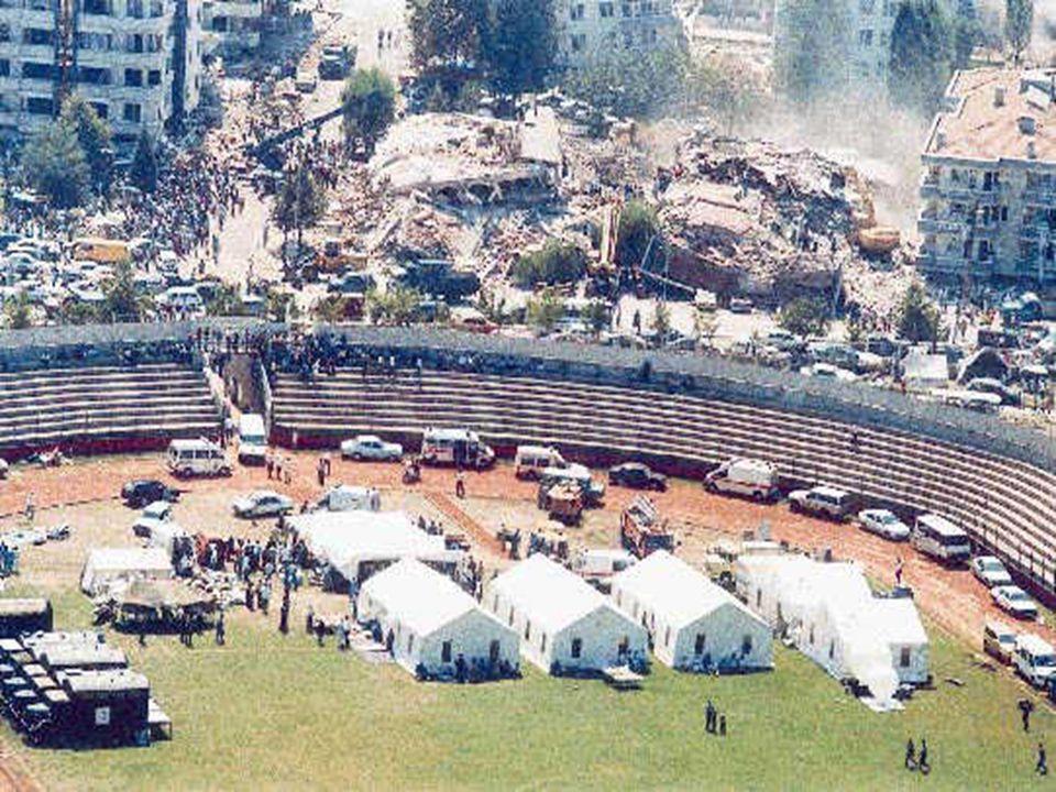 KIZILAY Depremden, selden, yangından zarar görenlerin yardımına koşar. Felakete uğrayanların barınmaları için çadır, battaniye yiyecek, giyecek dağıtı