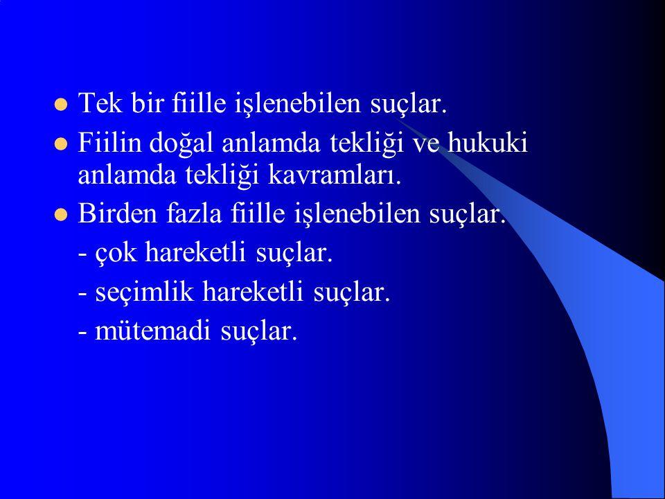 - Rüşvet suçu açısından, bir kamu görevlisinin, görevinin gereklerine aykırı olarak bir işi yapması veya yapmaması için … bir yarar sağlaması (m.