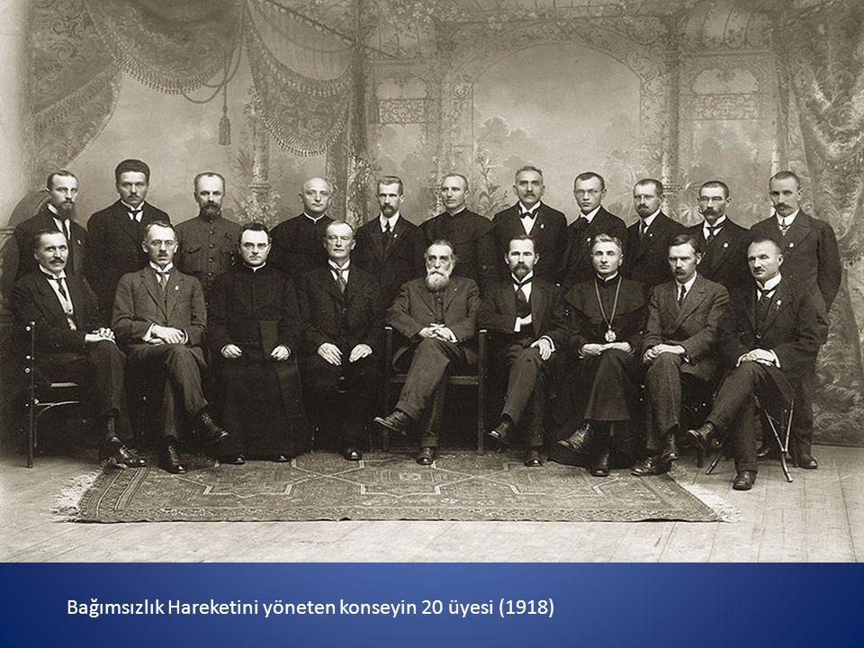 Bağımsızlık Hareketini yöneten konseyin 20 üyesi (1918)