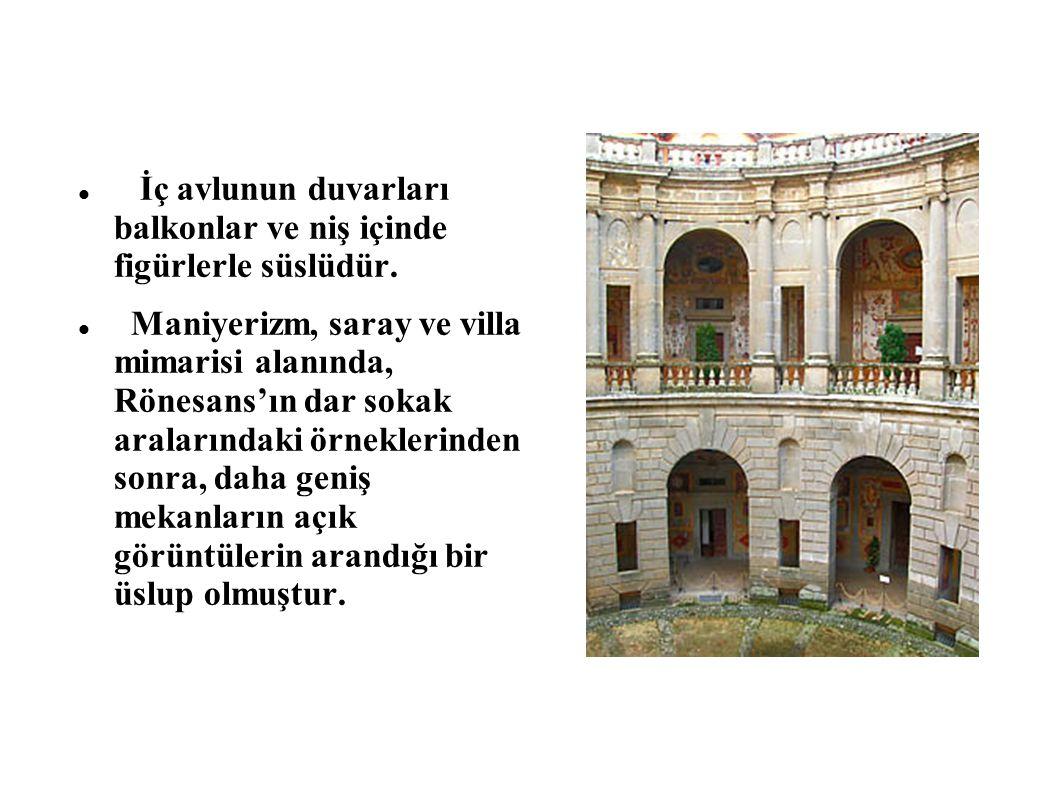 İç avlunun duvarları balkonlar ve niş içinde figürlerle süslüdür. Maniyerizm, saray ve villa mimarisi alanında, Rönesans'ın dar sokak aralarındaki örn