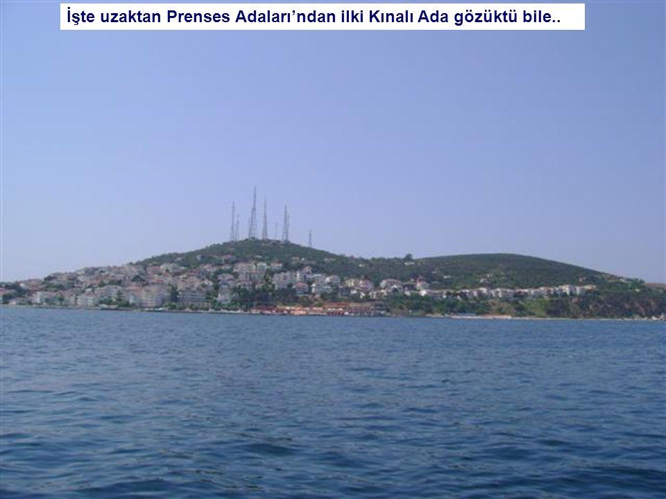 Haydarpaşa Tren Garı ve vapur Kadıköy iskelesine yaklaşıyor…