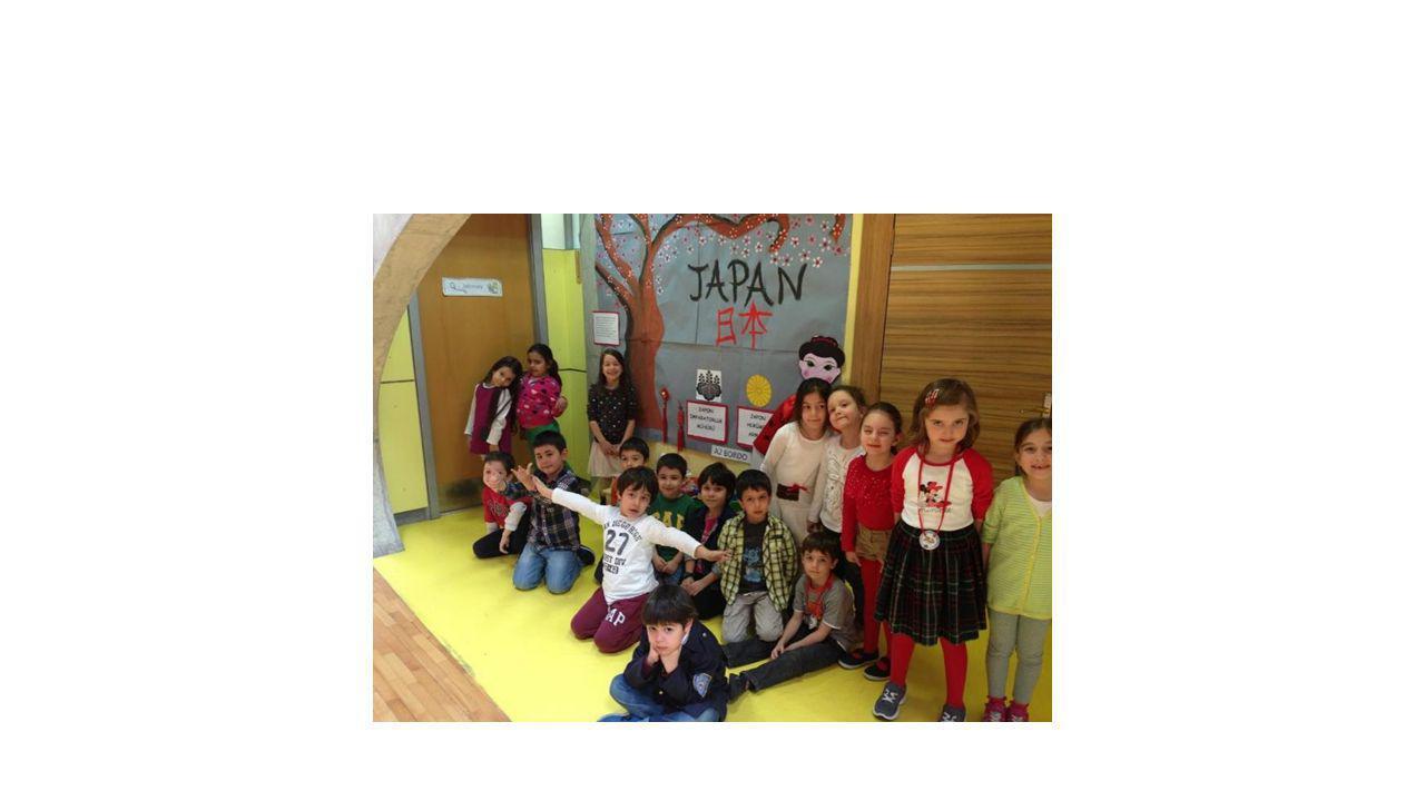 JAPONYA BAYRAĞI İÇİN BARDAKLARI BOYADIK